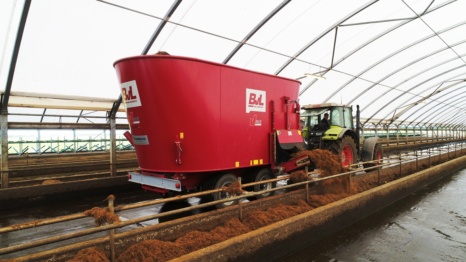 finding-the-right-mixer-wagon-for-your-farm-1.jpg